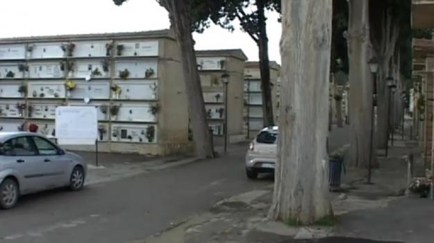 cimitero favara, Agrigento, Economia
