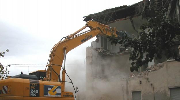 abusivismo edilizio, favara, polizia municipale, Agrigento, Cronaca