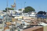 Mobili e scarti edili a due passi dal porto di Palermo