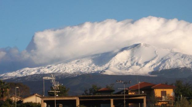 Aeroporto, cenere, emissione, etna, vulcano, Catania, Cronaca