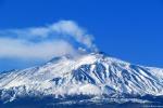 Padre e figlia bloccati dalla neve sull'Etna: salvati dalla guardia di finanza
