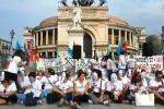 Palermo, sit-in dei lavoratori dell'Accenture