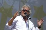 """Grillo contro il Jobs act: """"Combatteremo con ogni mezzo"""""""