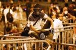 Hong Kong: poliziotti sospesi per pestaggi manifestanti