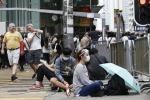 Hong Kong, scontri tra polizia e manifestanti: feriti