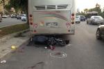 Moto contro un pullman in sosta: a Palermo gravi due ragazzi