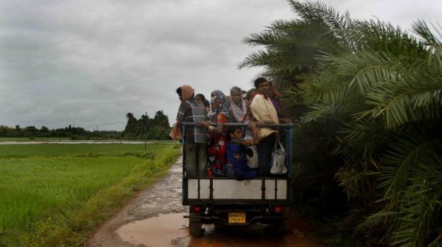 evacuazione, india, uragano, Sicilia, Mondo
