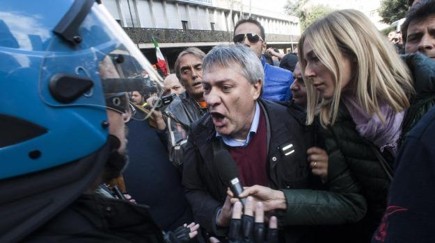 operai caricati, polizia, scontri roma, Graziano Delrio, Maurizio Landini, Susanna Camusso, Sicilia, Cronaca