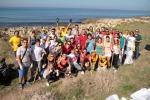 In 70 hanno raccolto 200 sacchi di spazzatura lungo il litorale di Isola delle Femmine