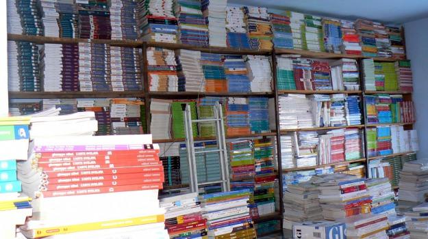 augusta, libreria, libri, omaggio, scuola, sequestro, Sicilia, Siracusa, Cronaca