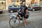 Da Berlino alla Sicilia in bicicletta, un viaggio elogio della lentezza