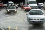 Maltempo, in auto investito dal fango: un anziano salvato a Giarre