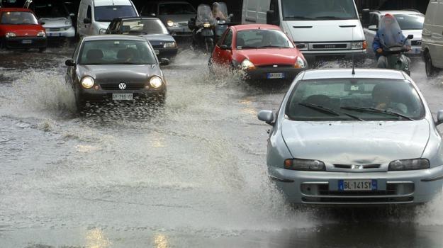 auto, fango, Maltempo, soccorso, Enzo Bianco, Sicilia, Catania, Cronaca
