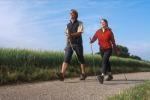 Combattere l'obesità: lo sport più consigliato è il nordic-walking