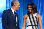 """Obama e il Natale: """"Difficile trovare un regalo per Michelle"""""""