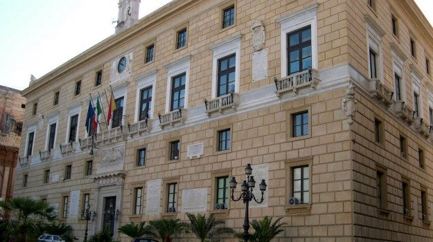 bar, dehors, Palermo, Politica