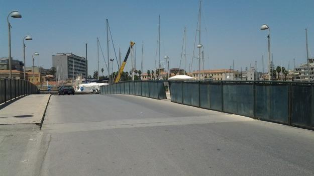 ORTIGIA, ponte calafatari, Siracusa, Siracusa, Politica