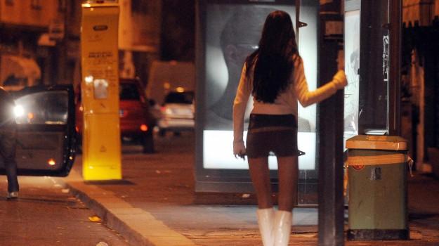 arresti, prostituzione, romena, Sicilia, Cronaca