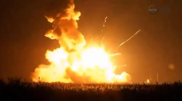 esplosione, nasa, razzo, stazione spaziale, Barack Obama, Sicilia, Mondo
