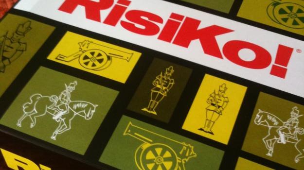 edicola, giochi, giornale di sicilia, risiko, Sicilia, Società