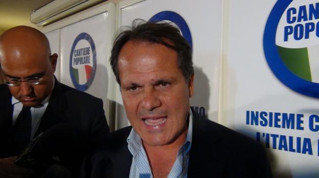 Angelino Alfano, Sicilia, Politica