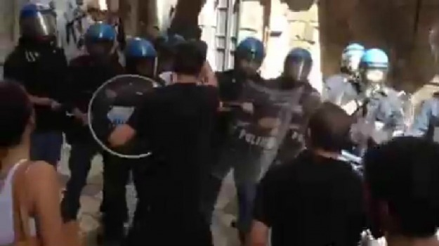 cortei, esame, polizia, regolamento, Viminale, Sicilia, Politica