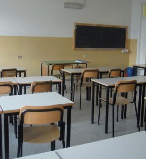 Punti di ristoro nelle scuole superiori a Messna, cambia il regolamento