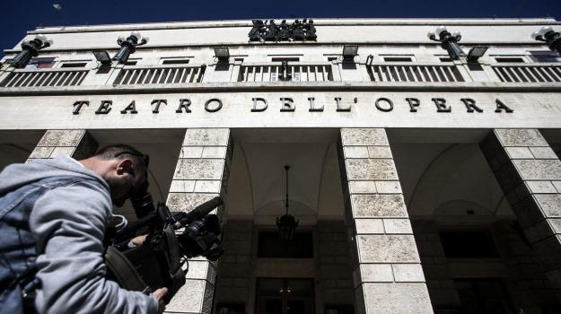 LAVORO, licenziamenti, teatro opera roma, Riccardo Muti, Sicilia, Opinioni