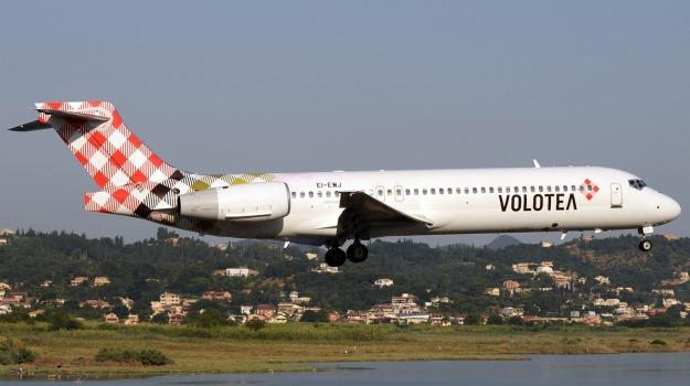 Aeroporto, trasporti, Volotea, Palermo, Economia