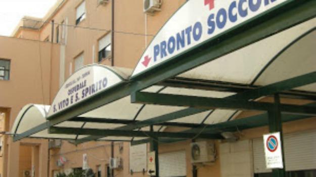aggressione, Alcamo, infermiere, ospedale, Trapani, Cronaca