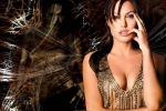 Angelina Jolie, sensualità e non solo: non escludo un debutto in politica - Foto