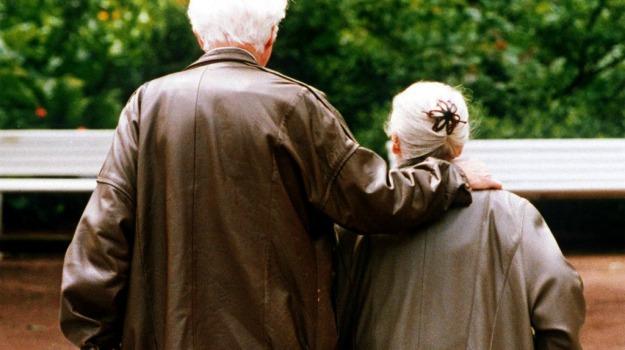 anziani, bilancio, dato, ricerca, statistiche, vita, Sicilia, Società