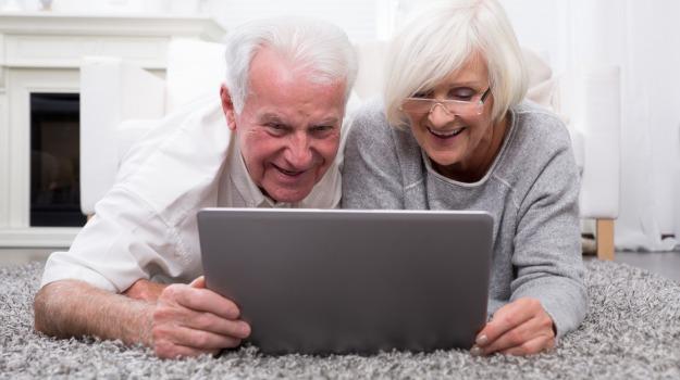anziani, computer, internet, Sicilia, Società