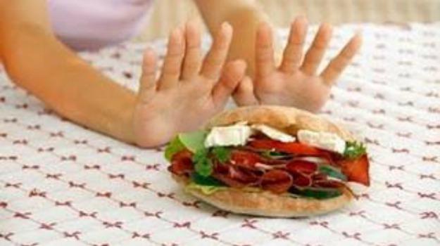 bambino, bere, mangiare, medico, sindrome, Sicilia, Vita