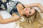 Scontro Rossi-Marquez, la sensuale Elena Morali tifa per Valentino - Video