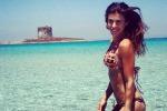 Il ballo sfrenato di Elisabetta Canalis: l'ex velina si scatena su un motoscafo a Miami. Il video
