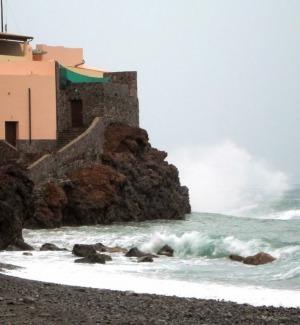 Meteo, la perturbazione si sposta al Centro Sud: previsti venti di burrasca in Sicilia