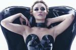 Hot ma anche ironiche, tutte le prorompenti bellezze del nuovo calendario Pirelli - Video