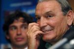 """Il mondo del calcio in festa per Gigi Riva: """"Rombo di tuono"""" compie 70 anni. Cosa ricordi di lui? Commenta con noi"""