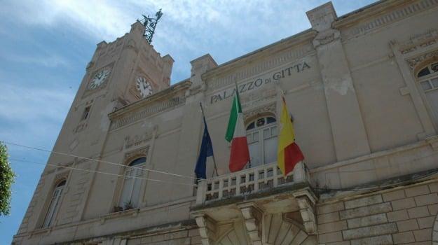 porto turistico licata, Agrigento, Politica