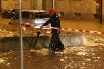 Maltempo, Nord in ginocchio: esondato il Seveso a Milano, un disperso a Genova - Foto