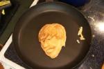 In padella i volti dei Beatles e i pancakes diventano opere d'arte