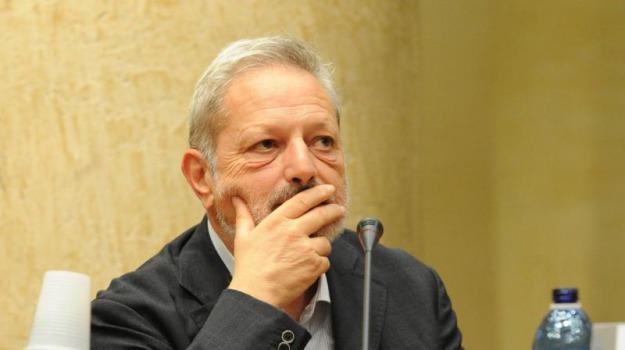 Paolo Pagliaro, Sicilia, Opinioni