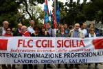 """""""Macelleria sociale"""", lavoratori della formazione sfilano a Palermo"""