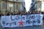 #Blocchiamotuttoday, duemila studenti in piazza: uova contro le banche. Tutte le foto