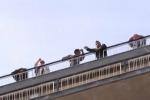 Protesta a Palermo, ex Pip sul tetto dell'assessorato