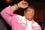 """Star egiziana canta contro l'Isis, i jihadisti: """"Ti sgozzeremo"""""""