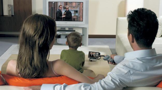 bambini, danno, televisione, tridimensionale, vista, Sicilia, Società