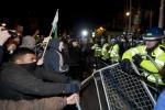 Anonymous, scontri a Londra tra manifestanti e polizia