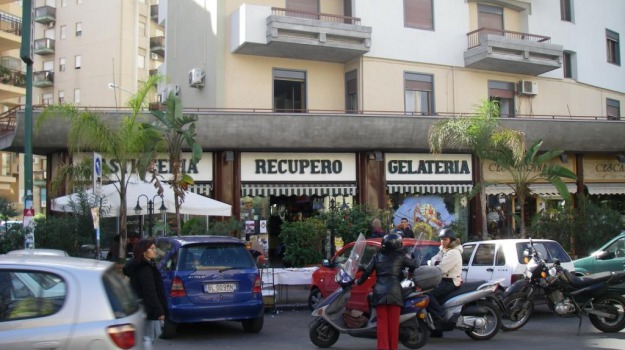 Bar recupero, commercio, Palermo, Economia